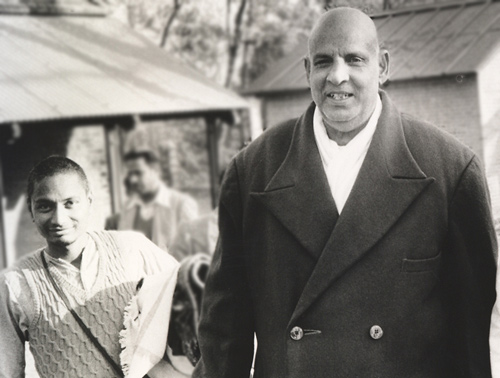 SiteFiles/photos/Swami Venkatesananda with Swami Sivananda