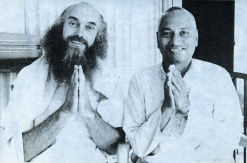 SiteFiles/photos/Swami Venkatesananda With Baba Ram Dass