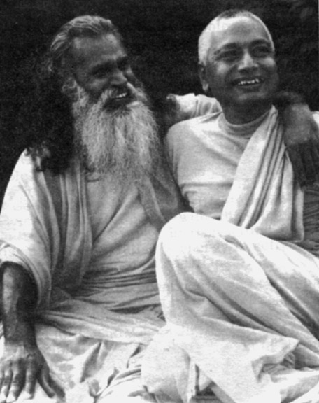 SiteFiles/photos/Swami Venkatesananda  With Swami Satchidananda, 1969