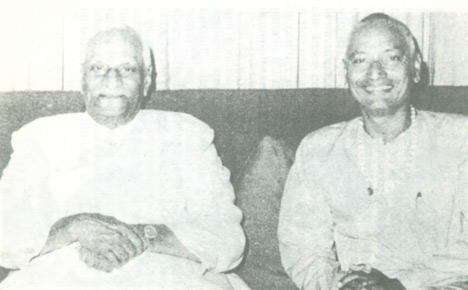 SiteFiles/photos/Swami Venkatesananda with former President of India, V. V. Giri.